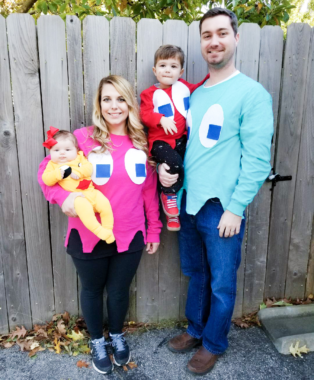 Ms Pac Man And Ghosts Costumes Diy Family Halloween Covet By Tricia  sc 1 st  Cartoonview.co & Halloween Costume Ideas For 2 Guys And A Girl   Cartoonview.co