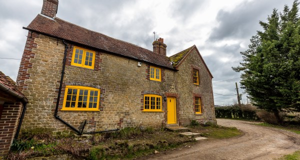 Four bedroom farmhouse - Residential property to rent on the Cowdray Estate, Midhurst, West Sussex