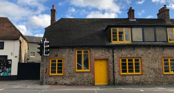 Two bedroom cottage in Midhurst - Residential property to rent on the Cowdray Estate, Midhurst, West Sussex