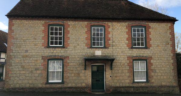 Generous First Floor Apartment in Easebourne - Residential property to rent on the Cowdray Estate, Midhurst, West Sussex