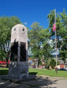 Berlin NH WWI memorial. Photograph by Jon Platek, Panoramio. Used with permission granted on that site.