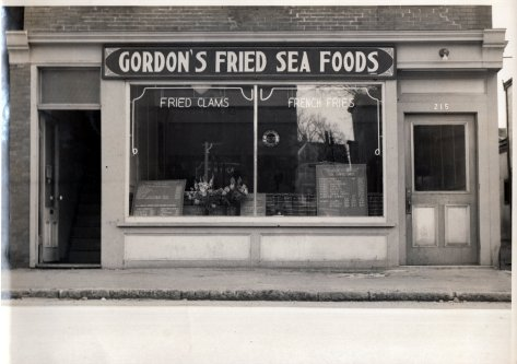 Gordon's Fried Sea Foods shop front at 215 Hanover Street in Manchester NH circa 1946-1949 (Photograph property of Janice W Brown, and may not be used without her written permission).