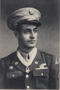 Sgt. Chris Karaberis wearing the medal of honor.