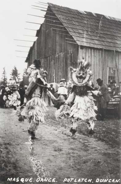 https://i2.wp.com/www.cowichanvalleymuseum.bc.ca/archival-collection/gallery/Potlatches/1982.11.1.1.jpg