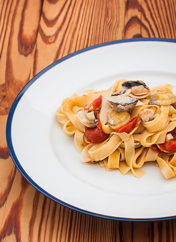 Receita de Tagliatelle ao vôngole apimentado com molho de tomate | Cozinha do João