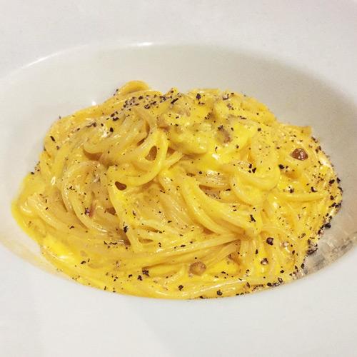 Spaghetti alla Carbonara da chef Tássia Magalhães do Pomodori | CJ