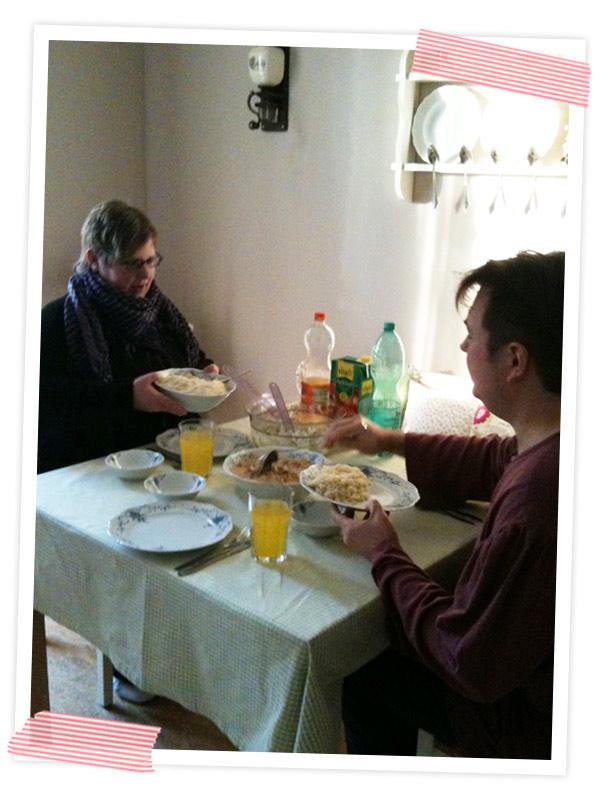 Mark und Melli verwöhnt ;-) Die beiden lernen seit Tagen fürs Examen.