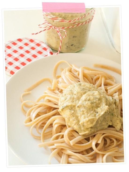 Rezept für Zucchinipesto schmeckt auch toll zu Pasta