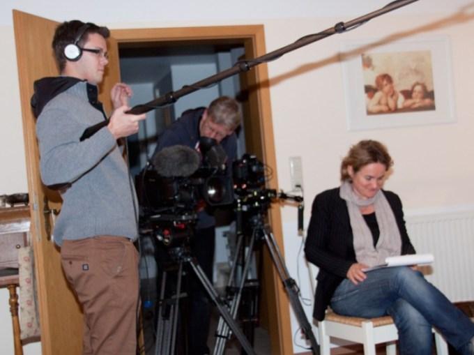 IDanny von Cozy & Cuddly im Fernsehen (WDR). Jetzt geht es los mit dem eigentlichen Interview.