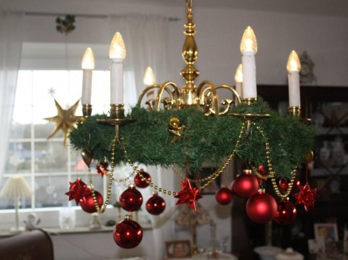 Advent advent ein kronleuchter verkleidet sich weihnachtlich cozy and cuddly - Zinkwanne weihnachtlich dekorieren ...