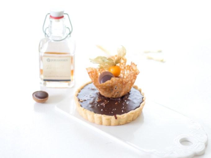 Rezept für die Toffifee-Caramel Tarte mit Schokoladen-Ganache, Original Flensburger Rum und Fleur de Sel