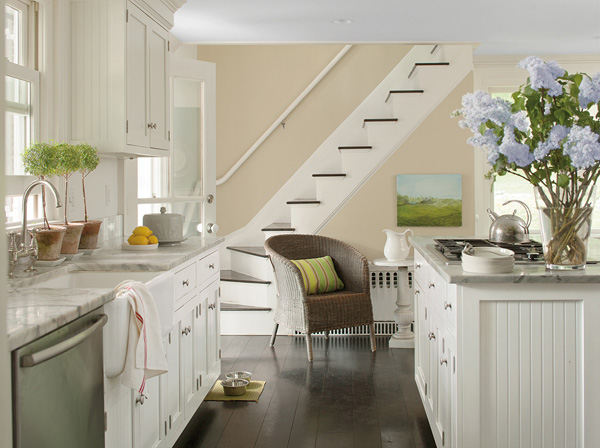 Connecticut Farmhouse - Benjamin Moore Color Trend 2014 Palette