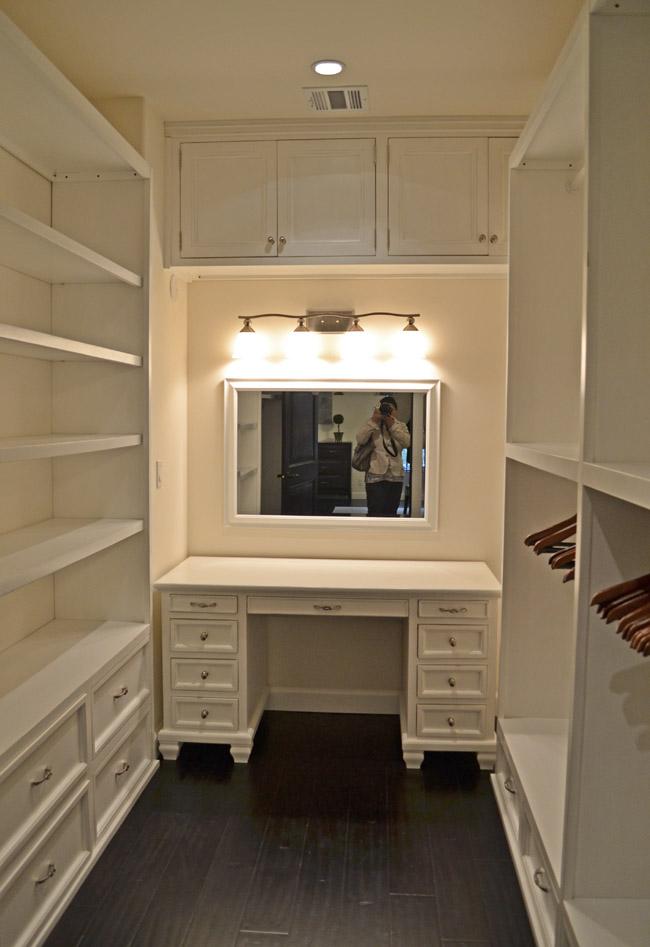 Ecobungalow LA-master bedroom closet