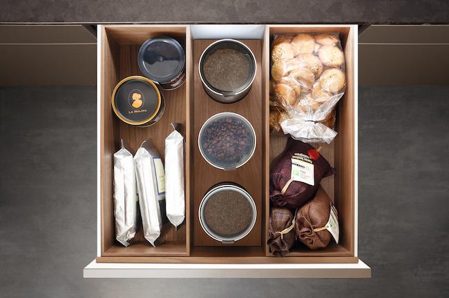 Poggenpohl Accessories - organized kitchen drawers via cozystylishchic.com