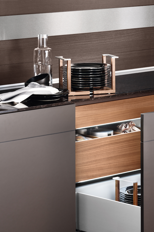 Master the Art of Stylish and Organized Kitchen Drawers in