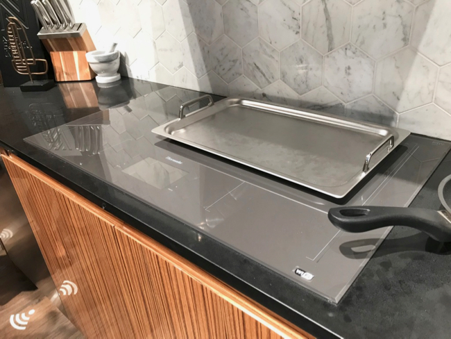 2018 Kitchen and Bath Trends - Thermador Freedom induction cooktop