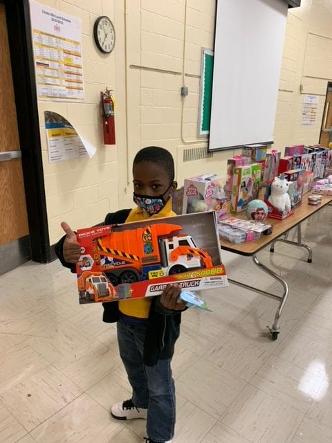 CorPay Spreads Holiday Joy to Fulton County Students