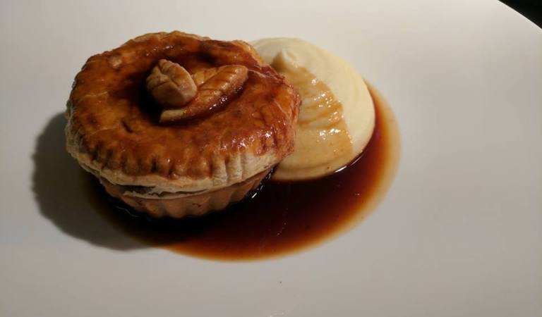 pie and mash at the crab and lobster in sidlesham