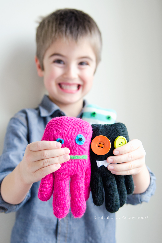 Do you have your child's old gloves lying around somewhere? Or perhaps some of yours leftover from a vacation abroad. If you do, then let your little girl get crafting to make these easy but adorable glove monsters from Craftaholics Anonymous! This is a great project for kids learning to sew, or you can help with the sewing part. Check out our post on 10 fabulous gifts like these that you can make for boys