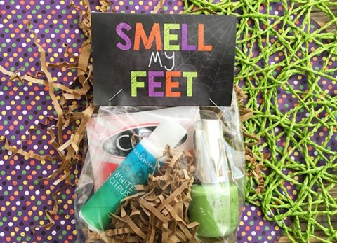 If you're looking for a cute gift for your friend, neighbor, or kid's teacher, this Smell My Feet Halloween Goodie Bag will be a hit.
