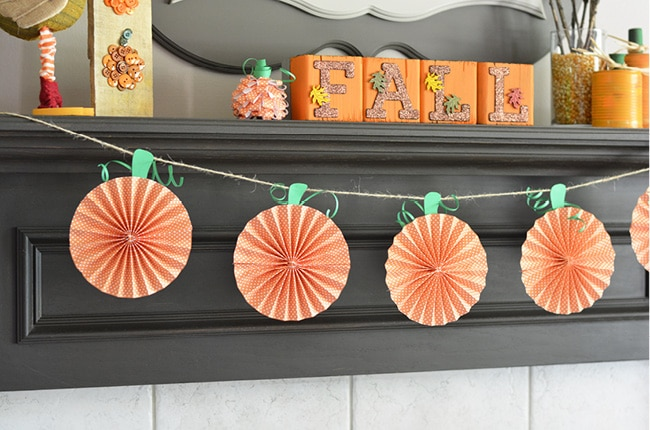 You will be excited to make these paper pumpkins to dress up the fall decorations in your home.