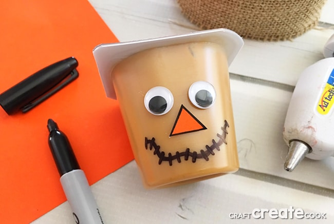 Our Scarecrow Pudding Cups are the perfect crafty snack for a sweet Fall treat and your kids will love them.