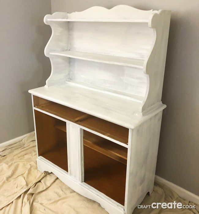 Our Chalk Paint Hutch Makeover will make you want to start painting!