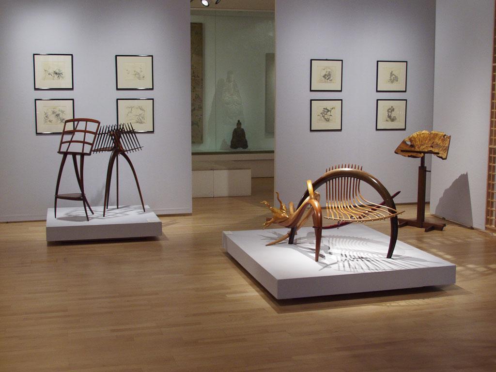 Wharton Esherick, Music Stand, 1962; Arthur Espenet Carpenter, Music Stand; Michael Cooper, Woody, 2005 at the Mingei International Museum
