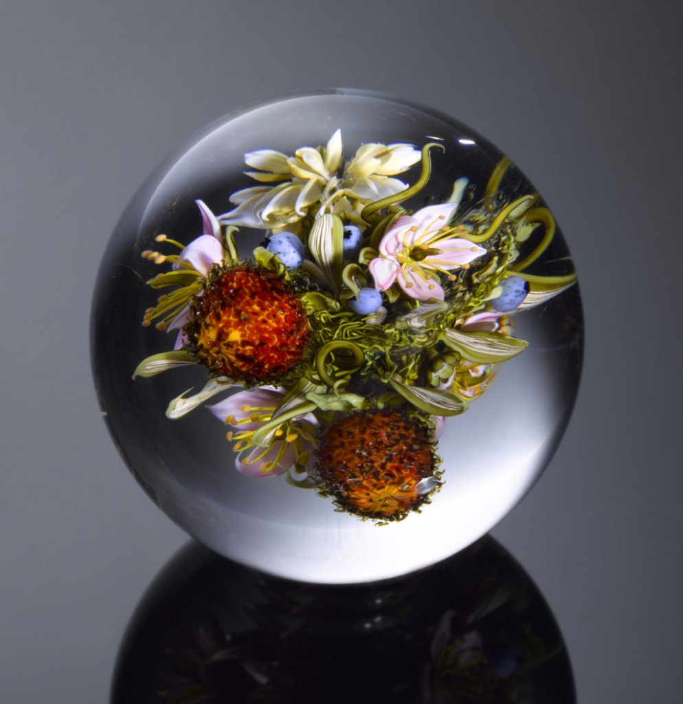 Paul J. Stankard, Floral Bouquet with Prickly Fruit Series, 2012. Ron Farina photograph