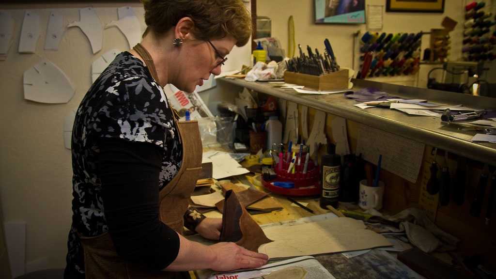 Lisa Sorrell, Cowboy Boots, Leathercraft, Bootmaking, Sorrell Custom Boots, Family episode, Mark Markley photograph, Craft in America