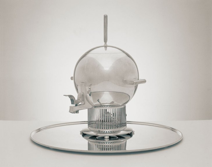 Eliel Saarinen, Tea Urn and Tray, c. 1934. Courtesy of Cranbrook Museum of Art and Ronald S. Swanson, R.H. Hensleigh photograph