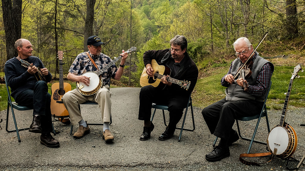 Bluegrass jam session with Darin Lawrence (not pictured), Jeff Vogelgesang, Geoff Stelling, William L. Ellis, Tony Ellis. Mark Markley photograph