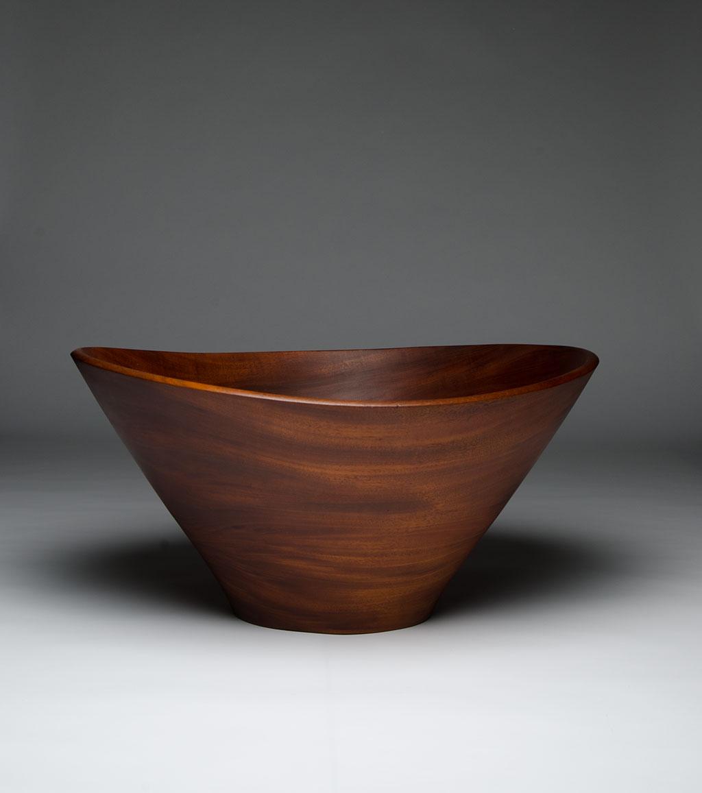 Bob Stocksdale, Salad bowl, c.1970. Jay Oligny photograph