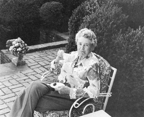 Aileen Osborne Webb at home