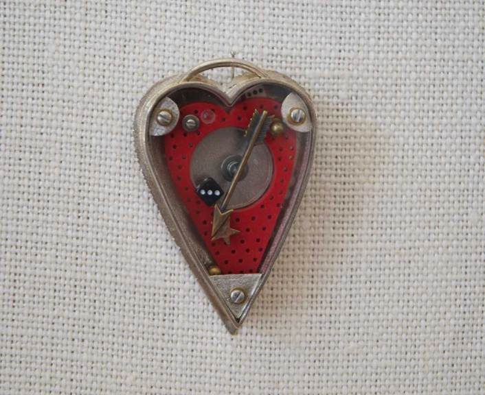 Thomas Mann, Container Heart Pin, 2005
