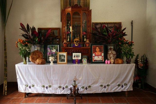 Vasquez family altar, Borders, Craft in America