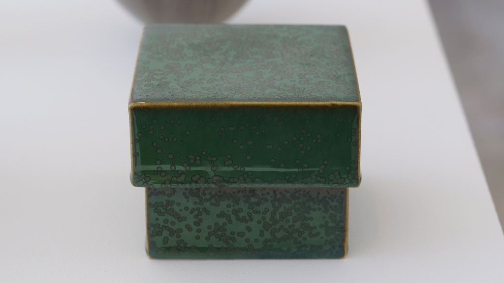 Laura Andreson, Lidded Box, 1969, California Visionaries: Seminal Studio Craft, Featuring Works from the Forrest L. Merrill Collection