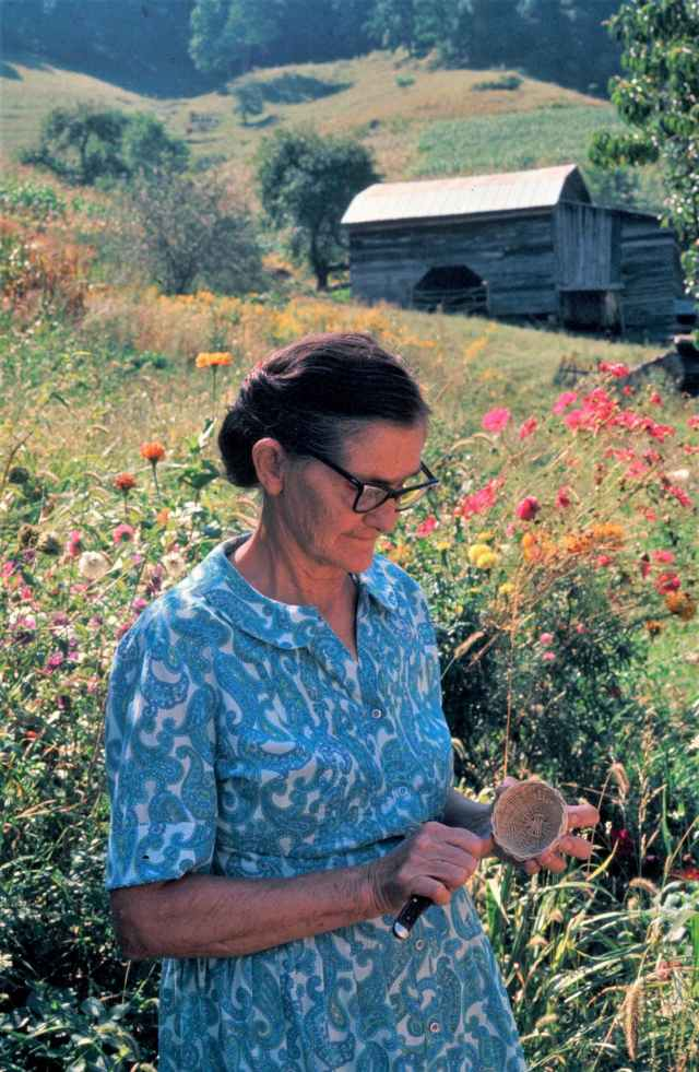 Islands in the Land Exhibition, Appalachia, North Carolina, Burnsville, Mrs. Hiram Willis