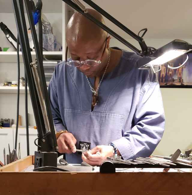 Clyde Johnson. Denise Kang photo. JEWELRY episode of Craft in America