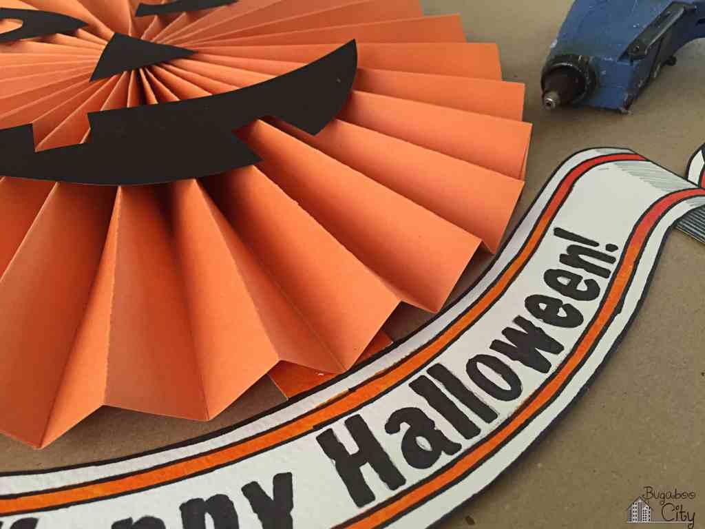 DIY Halloween Pumpkin Paper Wreath. Pumpkin Door Sign