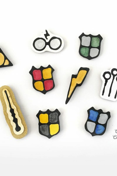DIY Harry Potter Magnets Using Black Glue