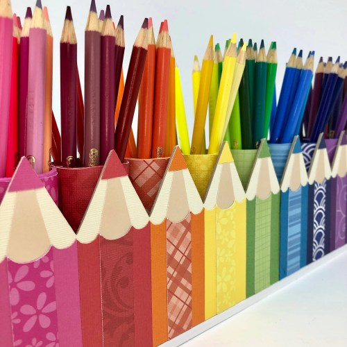 DIY Rainbow Pencil Holder