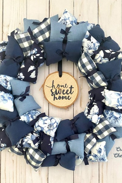DIY Pillow Wreath – Home Sweet Home