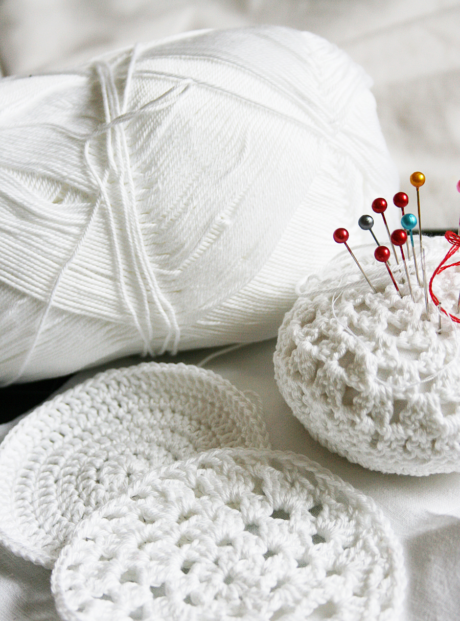 Beginner friendly crochet pincushion tutorial with free pattern