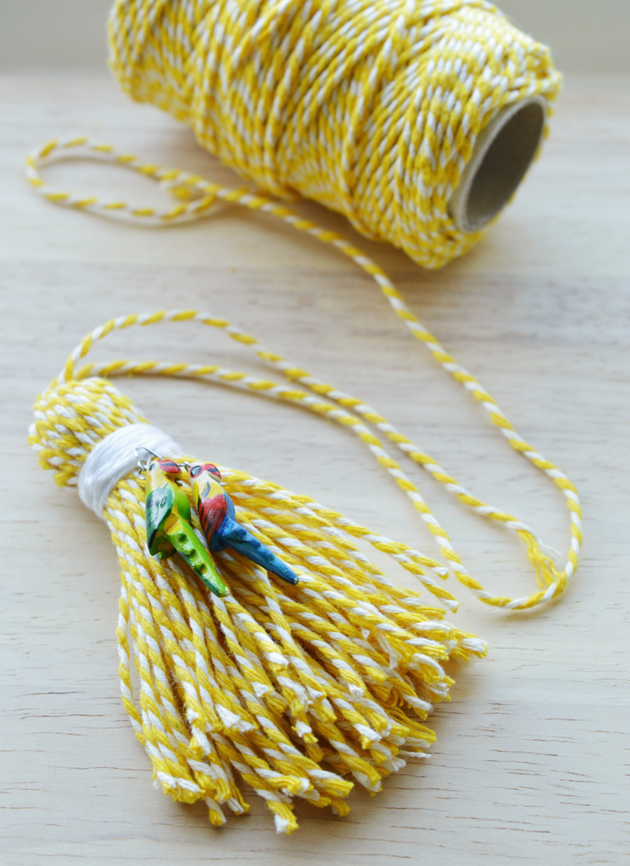DIY baker's twine tassel  | craftingfingers.co.uk