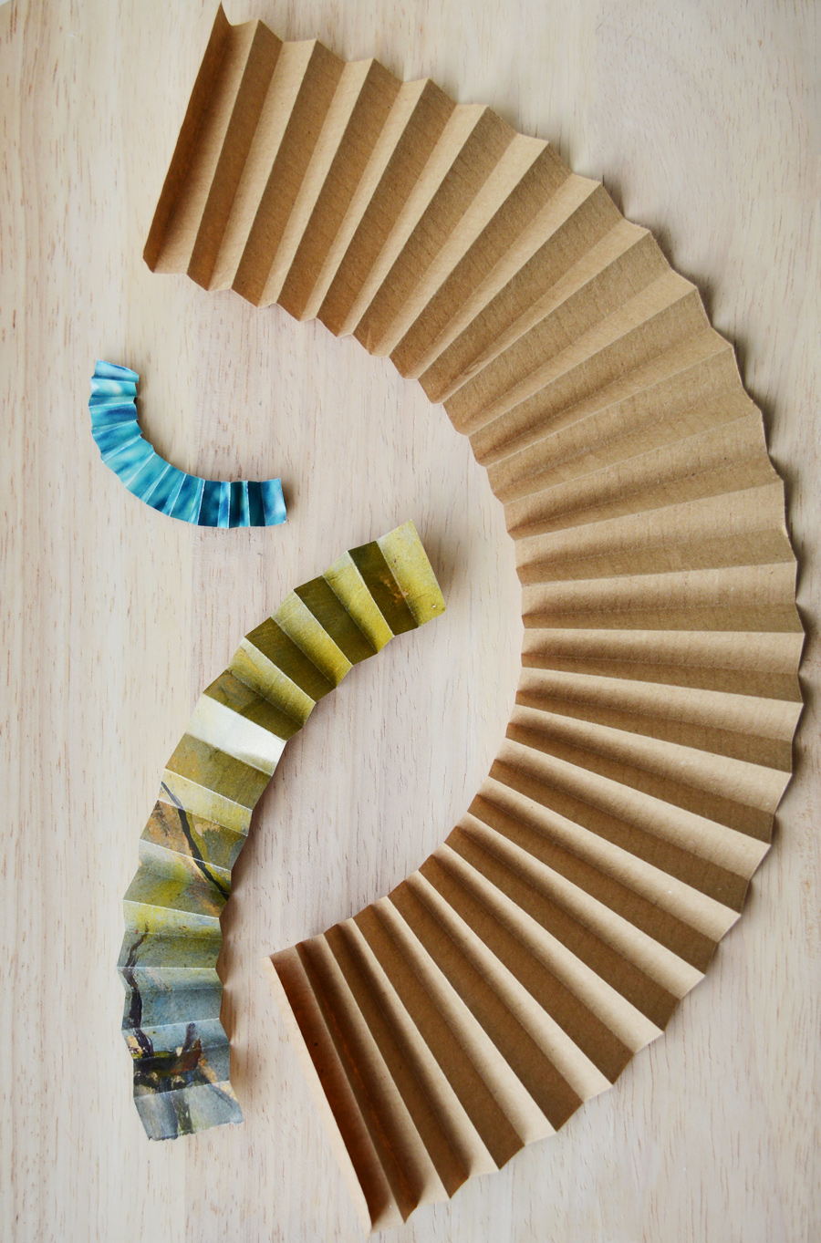 DIY paper wheels (at the exact size you want them) craftingfingers.co.uk #crafts #diy