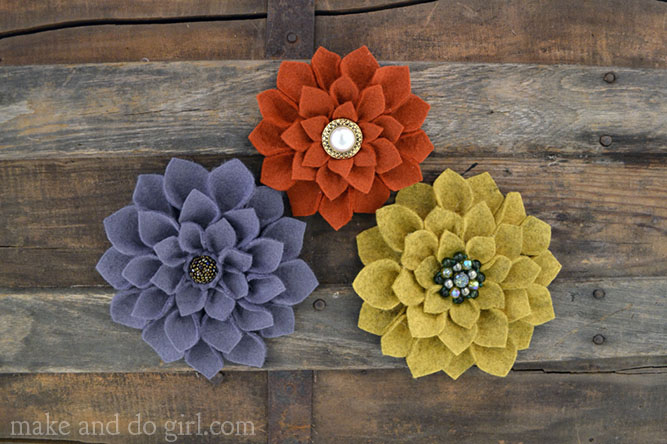 DIY-felt-flowers-tutorial
