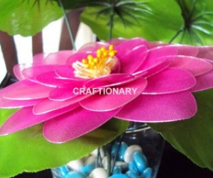 how-to-make-nylon-flowers-tutorial