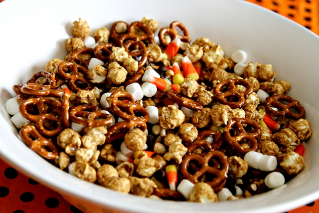 homemade halloween trail mix