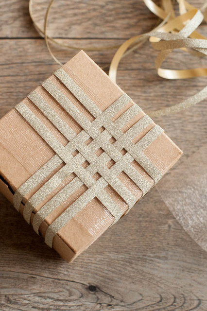 DIY glitter ribbon gift wrapping